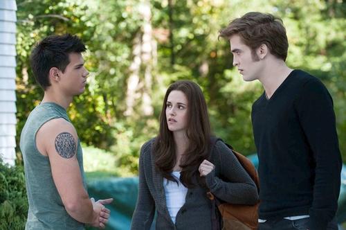 <i>Best movie</i><br> <br> <i>Best male performance:</i>  Robert Pattinson<br> <br> <i>Best male performance:</i>  Taylor Lautner<br> <br> <i>Best female performance:</i>  Kristen Stewart<br> <br> <i>Best kiss:</i>  Kristen Stewart and Robert Pattinson<br> <br> <i>Best kiss:</i>  Kristen Stewart and Taylor Lautner<br> <br> <i>Best fight:</i>  Robert Pattinson vs. Bryce Dallas Howard and Xavier Samuel<br> <br> <i>Best breakout star:</i>  Xavier Samuel
