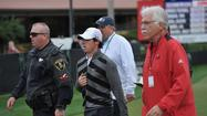 Rory McIlroy, the top-ranked golfer in the world, walked off the golf course Friday and withdrew from the Honda Classic in South Florida after hitting his second shot into the water on the par-5 18th hole.