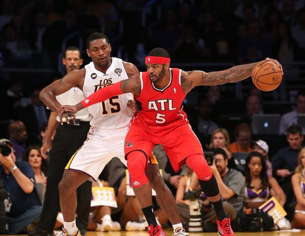 Lakers forward Metta World Peace defends Hawks forward Josh Smith