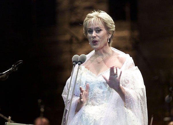 Opera soprano Kiri Te Kanawa performs in front of thousands of fans in the Beitiddine presidential summer palace in the Shouf Mountain of Lebanon in 2000.