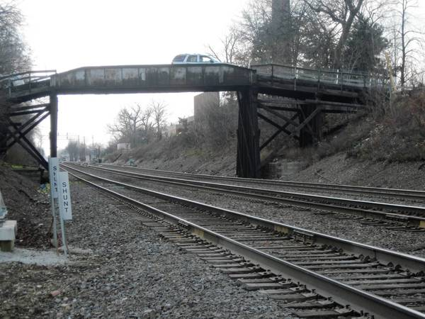 Hinsdale will conduct a hearing on plans to replace a 128-year-old steel-and-timber bridge.