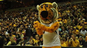 Missouri defeats Arkansas, spoils Mike Anderson's return to Columbia
