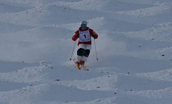 Hannah Kearney on her way to gold.  (Garth Hager / US Ski Team)