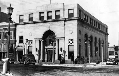 The St. Charles National Bank after a robbery.