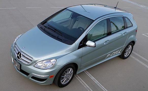 """The B-Class F-Cell is a four-door subcompact is a hydrogen-powered electric vehicle that can travel more than 200 miles between fill-ups and doesn't need an outlet to recharge. The first Mercedes-Benz fuel-cell vehicle to be offered to the public, the B-Class F-Cell is available in one U.S. market: Los Angeles. Southern California is the only region in the country that currently has more than one hydrogen fueling station. <br> <a href=""""http://www.latimes.com/business/la-fi-0421-autos-mercedes-fcell-revie20110421,0,6292650.story""""><u>See full story</u></a>"""