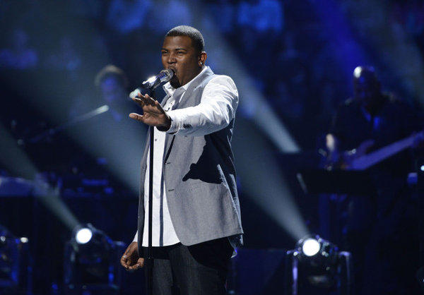 "Curtis Finch Jr.'s performance brought the judges to their feet Wednesday night on ""American Idol."""