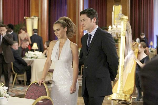 "Although its critical reception was lukewarm at best,  CBS' <a class=""taxInlineTagLink"" id=""ENTTV000000161"" title=""Ghost Whisperer (tv program)"" href=""/topic/entertainment/television/ghost-whisperer-%28tv-program%29-ENTTV000000161.topic"">""Ghost Whisperer""</a> has held a steady audience of 9 million to 10 million viewers for all four of its seasons. This season, things look just as promising for the <a class=""taxInlineTagLink"" id=""PECLB002365"" title=""Jennifer Love Hewitt"" href=""/topic/entertainment/jennifer-love-hewitt-PECLB002365.topic"">Jennifer Love Hewitt</a> (above with David Conrad) vehicle, as the Nov. 20 episode nabbed 8.4 million viewers, making it the top-rated series of the night."