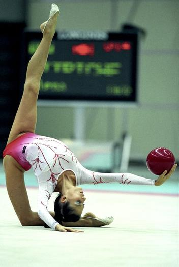 Illinois Rhythmic Gymnastic Center Welcomes Ukraine Gymnast and Coach, Olena Vitrychenko