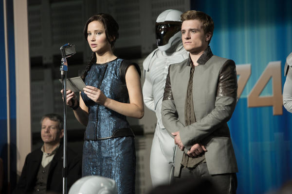 Katniss Everdeen (Jennifer Lawrence) and Peeta Mellark (Josh Hutcherson)