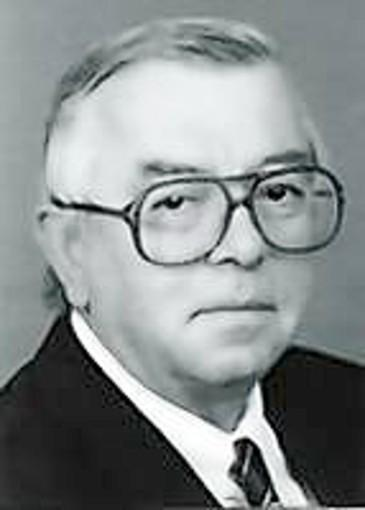Peter J. Tutschka was the former chief of the Cancer Center at St. Francis Hospital and Medical Center, who played an important role in the first use of cyclosporine to prevent the body from rejecting transplanted bone marrow. Tutschka, who was 75, died Jan. 11 from the cumulative effect of several diseases. He lived in Farmington.