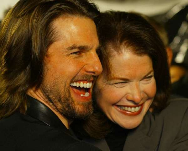 Producer Sherry Lansing, who is seen getting a hug from Tom Cruise, will receive the Lifetime Achievement Award in April at the Israel Film Festival.