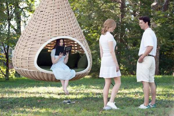 "Mia Wasikowska as ""India,"" Nicole Kidman as ""Evie,"" and Matthew Goode as ""Uncle Charlie,"" star in the movie 'Stoker.'"
