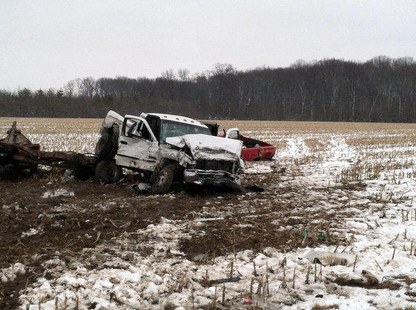3 teens killed in Versailles, Ind., crash