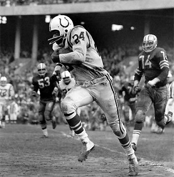 Sun archives: Baltimore Colts photos - Lenny Moore