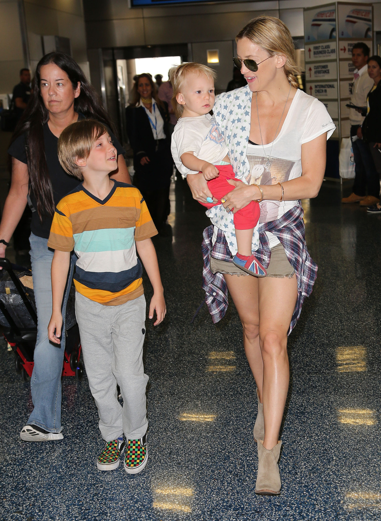 Celeb-spotting around South Florida - Kate Hudson Sighting At Miami International Airport - February 27, 2013
