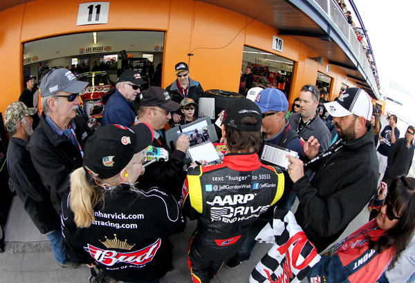 The problem of hunger in the U.S., particularly in the Southwest and Southeast, was front and center in Las Vegas over the weekend, where NASCAR Jeff Gordon, driver of the #24 Drive to End Hunger Chevrolet, signed autographs ahead of Sunday's NASCAR Sprint Cup Series race.