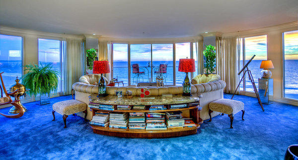 Larry Hagman's penthouse sells