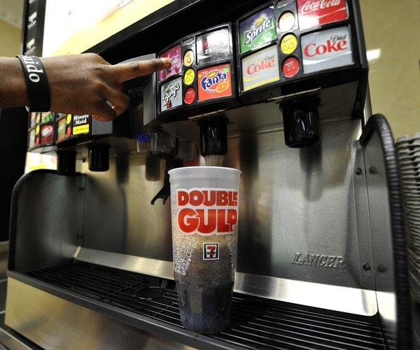 Monday was supposed to be the last day New Yorkers were able to purchase super-sized sugary drinks at restaurants, movie theaters, sports venues and street carts in New York City, but New York Supreme Court Judge Milton Tingling ruled that the city may not enforce the new regulation. 7-11 was always exempt from the regulation.
