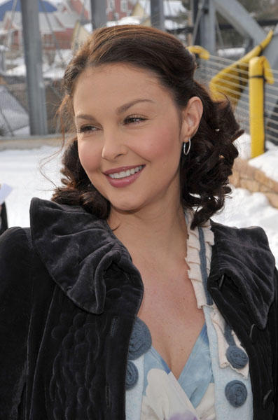 Growing up on a farm in Kentucky seems to have done Ashley Judd a world of good. She turns 43 today. (Photo by Frazer Harrison/Getty Images)