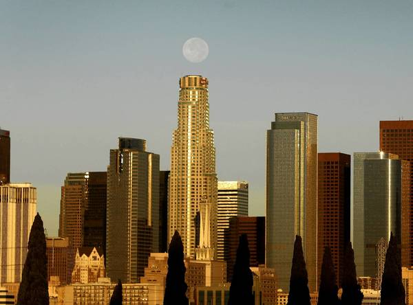 The 72-story U.S. Bank Tower in downtown Los Angeles is the tallest building west of Chicago -- but not the most popular with tenants.
