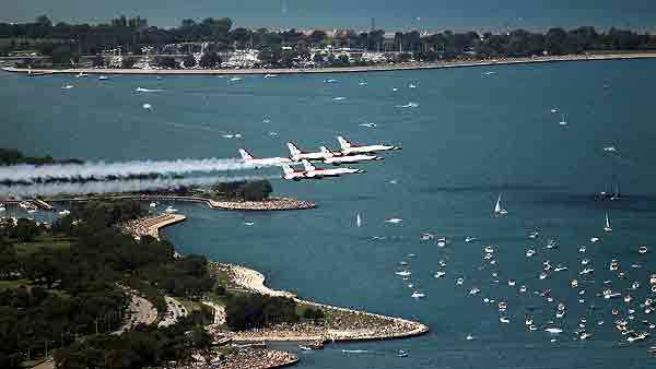 The Air Force Thunderbirds at the 2011 Chicago Air & Water Show.