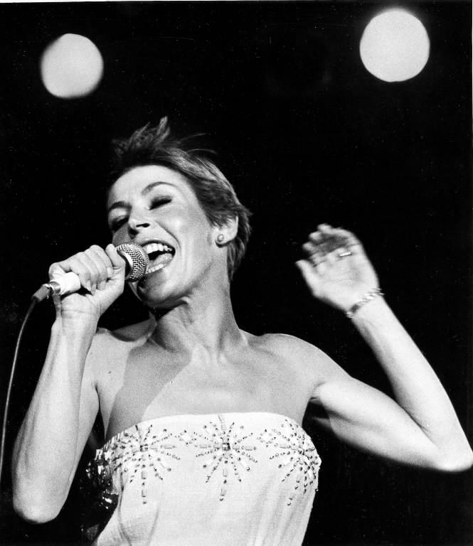 Helen Reddy performs at ChicagoFest in 1979.