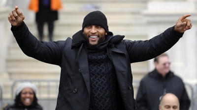 ESPN makes it official, announcing Ray Lewis hire