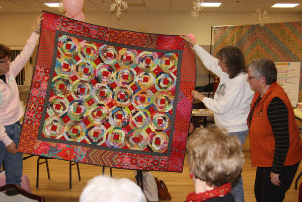 Jackie Compton (right) will present a program about pineapple quilts at the Little Travers Bay Quilters Guild meeting on Thursday, March 14, in Petoskey. She will then teach a class on the subject on Friday, March 15, at the Charlevoix Public Library.
