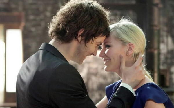 "Kirsten Dunst and Jim Sturgess star in ""Upside Down."""