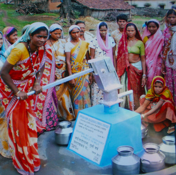 Women from the state of Maharashtra, near Sakri, India and their new well. The Soroptimist International of Laguna Beach and Women of the Wells raised funds for the well.