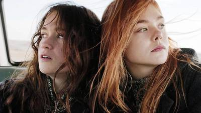 Review: 'Ginger & Rosa' a showcase for Elle Fanning