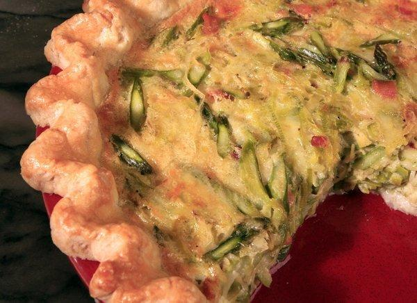 Savory quark tart with asparagus.