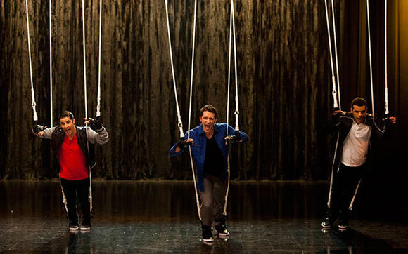 "Glee's ""Feud"" episode included a boy band face-off between Mr. Schuster and Finn."