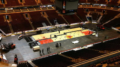 Ice to hardwood: United Center photo timelapse