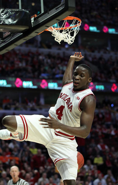 Indiana's Victor Oladipo finishes a 360-degree dunk against Illinois.