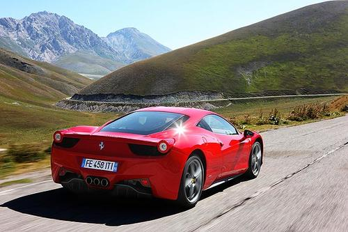 The 458 can accelerate from a standstill to 124 mph in 10.4 seconds and decelerate from 62 mph to a dead stop in a little over 30 yards.