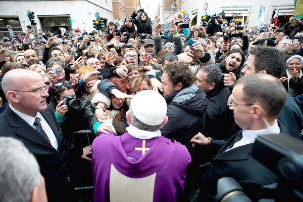 Cardinal Jorge Mario Bergoglio becomes Pope Francis - Pope Francis greets faithful after Mass in Vatican City
