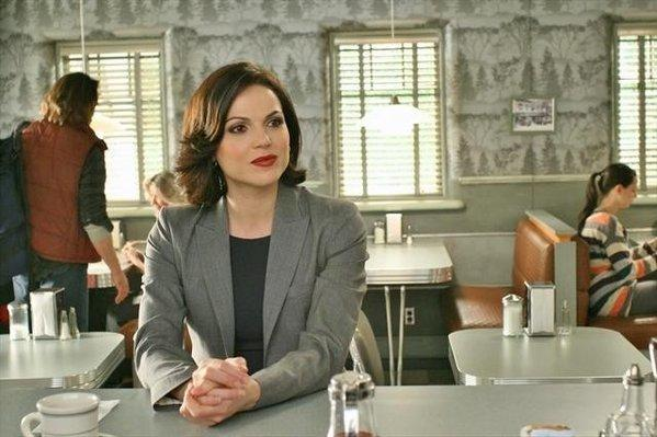 "28 years prior, Regina (Lana Parrilla) admires her curse in ""Welcome to Storybrooke."""