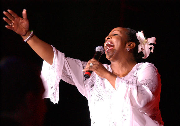 Gladys Knight entertains at the 2003 Hampton Jazz