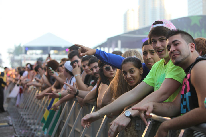 Ultra people-watching - Ultra fans