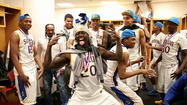 "Simeon celebrates title with ""Harlem Shake"""