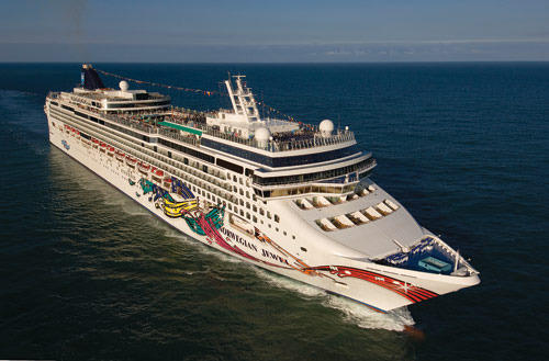 The Norwegian Jewel sails out of th