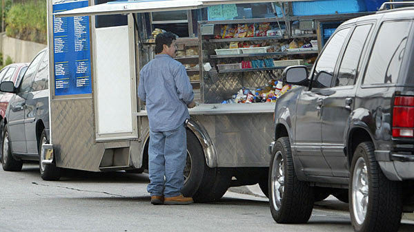 The trucks allegedly targeted were not the popular foodie cuisine type, but ordinary trucks, similar to this one, that serve blue-collar workers.