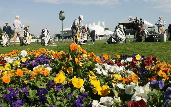 The practice putting green is crowded with golfers during practice rounds for the Arnold Palmer Invitational at the Bay Hill Club & Lodge in Orlando on Tuesday, March 19, 2013. (Stephen M. Dowell/Orlando Sentinel)