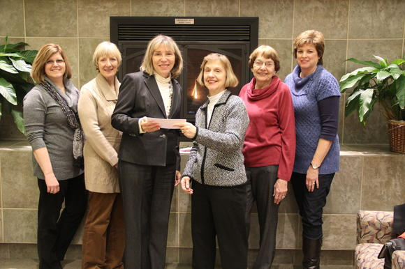 DuPage Valley Alumnae Chapter of Alpha Phi Gives Generous Donation to Marianjoy