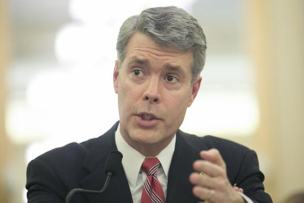 FCC Commissioner Robert McDowell is stepping down.