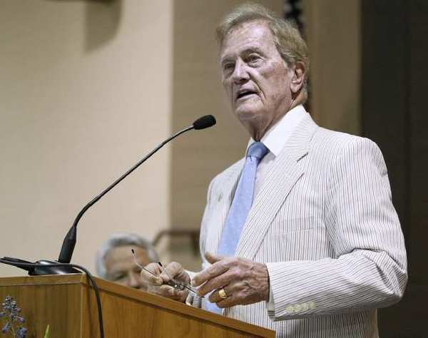 Pat Boone gave the keynote address at the 50th Annual Glendale Mayor's Prayer Breakfast.