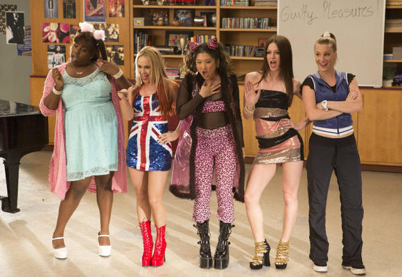 """Glee"" gals take on Spice Girl's ""Wannabe"" in the ""Guilty Pleasures"" episode."