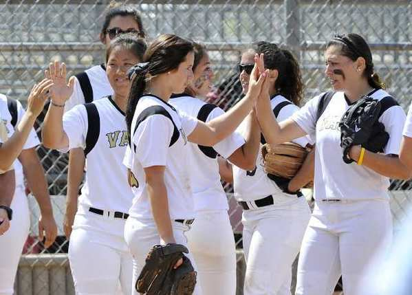 The Glendale Community College softball team won both games of its doubleheader with Santa Monica College Thursday.