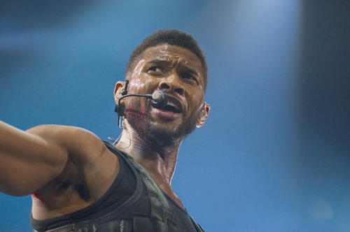 "Usher sings to his Baltimore fans during a Dec. 8 concert at the <a href=""http://findlocal.baltimoresun.com/listings/1st-mariner-arena-baltimore"">1st Mariner Arena</a>."